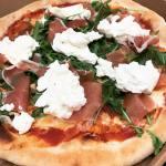 La pizza Fontina en commande chez l'Art de la Pizza à Ambres