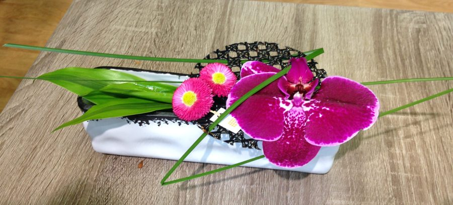 pique-fleur teinté marine