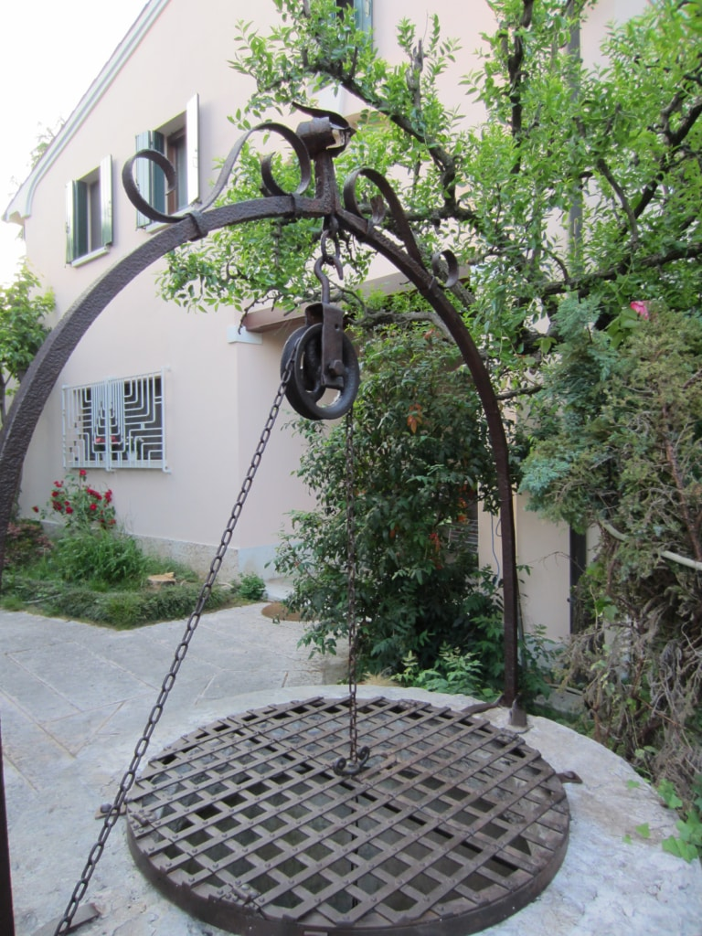 Mobili Giardino In Ferro.Arredo Giardino In Ferro Battuto Materiali Edili Bergamo Arredo