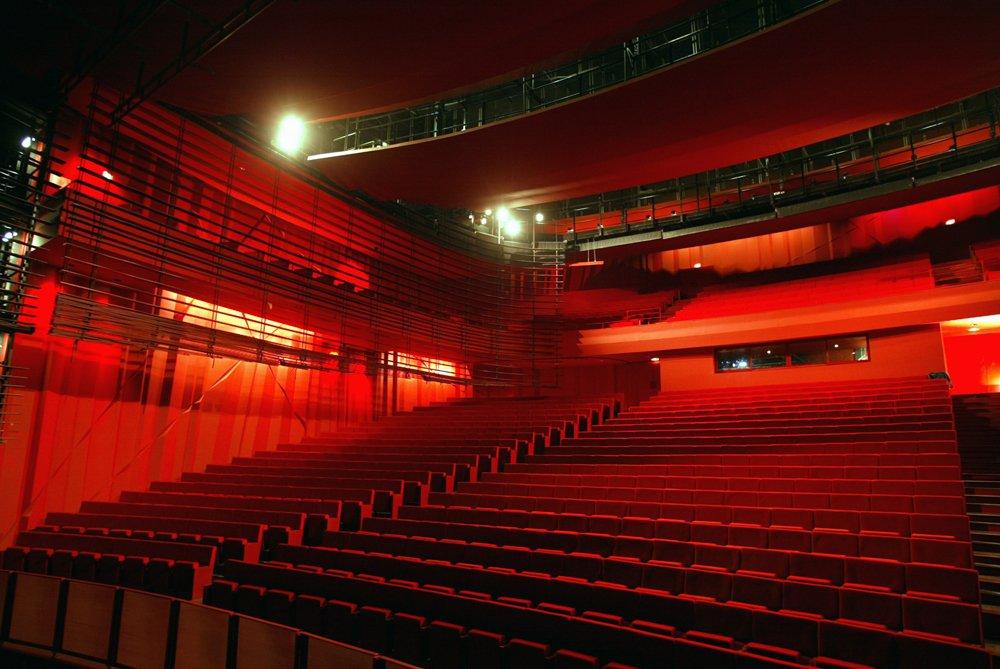 Les artistes de retour au théâtre de l'Archipel à Perpignan