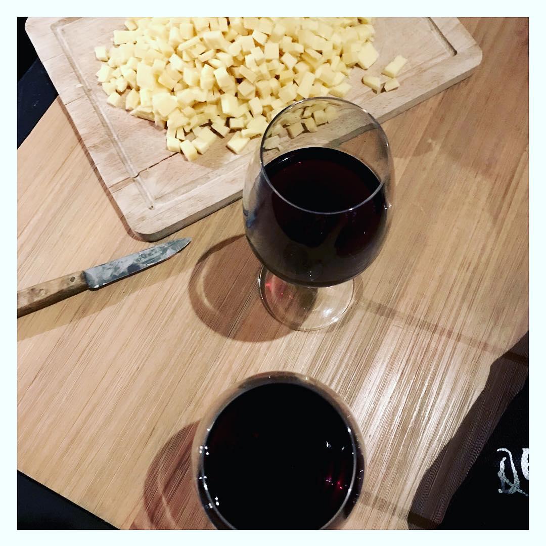 La saison des fondues raclettes tartiflettes et autres dlices fromagershellip