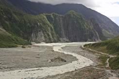 Rio de sedmentos glaciar Fox