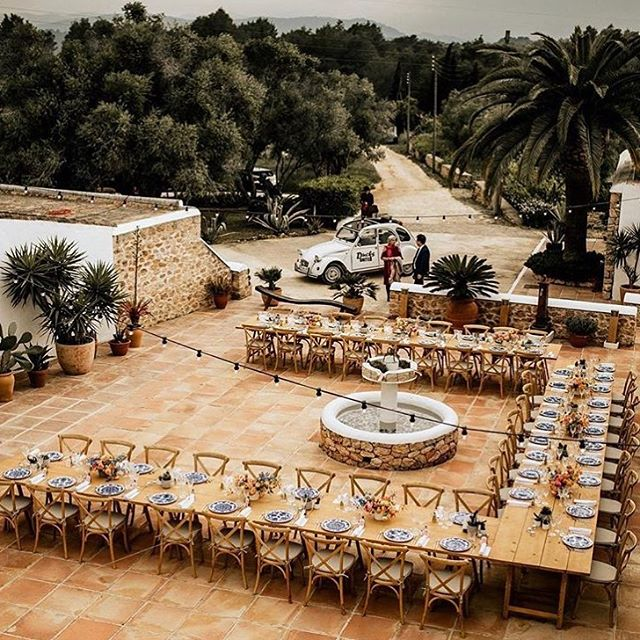 One to remember // beautiful wedding set up with @lejourduoui @tablesetrentals @lagrandebouffe_ibiza @silohfloral @redclaypaper 🙌🏼✨ #lascicadasibiza #boutiquevilla #eventspace #wedding #ibiza2018 #maywedding #weddingseason #eventvenue #privateevent #weddingdesign #eventstyling #rustic #stylish #finca #patio #casapayesa #ibizastyle #countrywedding #campo #islandlife