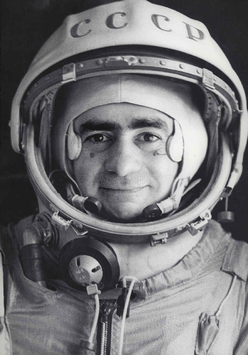 retrato-oficial-del-cosmonatura-ivan-istochnikov1