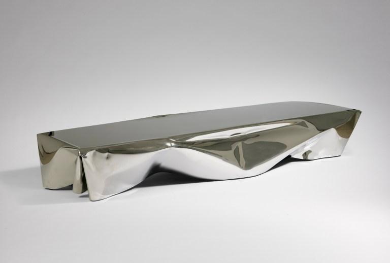 5.- Table 'Detroit' Silver - cortesía Machado-Muñoz