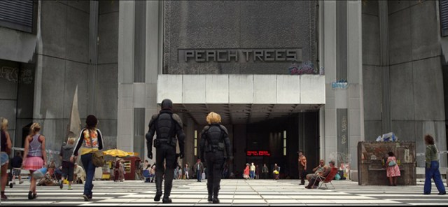 Dredd 2012 Edificio Peach Trees