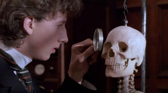 Sherlock Holmes (Nicolas Rowe) en El Secreto de la pirámide