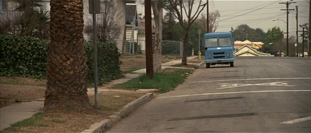 Asalto a la comisaría del Distrito 13, camión de helados.