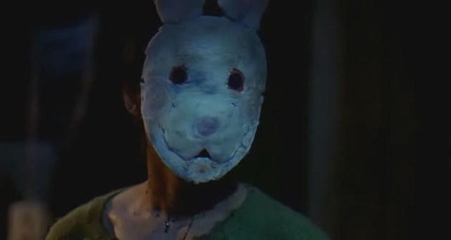 El asesino de Bloody Reunion, vestido con una máscara de conejo.