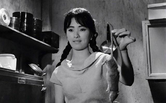 The Housemaid, 1960. Rat Scene La Criada atrapa una rata
