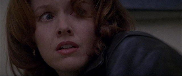 Penelope Ann Miller en The Relic.