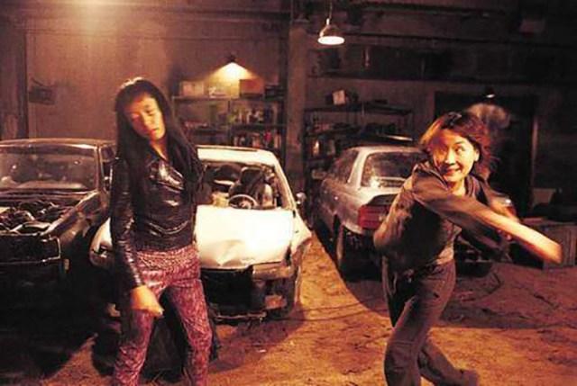 No Blood No Tears (Ryoo Seung-wan, 2002). Jeon Do-yeon y Lee Hye-yeong.