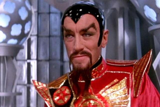 Max von Sydow  como el Emperador Ming