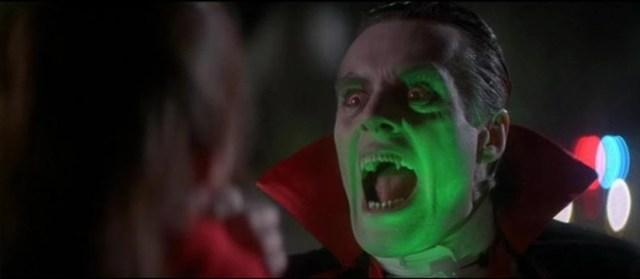 Dracula (Duncan Regehr) en Una pandilla alucinante.