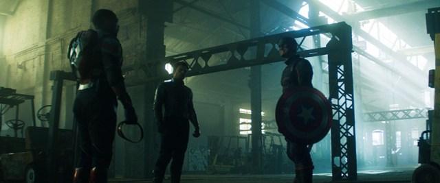 Sam Wilson, Bucky Barnes, y John Walker en 'Falcon y el Soldado de Invierno'.
