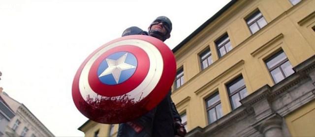 Wyatt Russell como Capitán América en Falcon y El Soldado de Invierno.