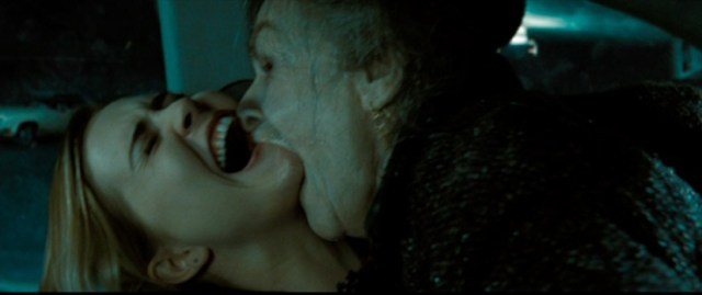 Drag me to Hell (Sam Raimi, 2009). Alison Lohman and Lorna Raver in Parking