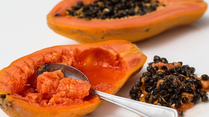 Comer Semillas de Papaya Desintoxica El Hígado y Los Riñones y Mejora El Tracto Digestivo
