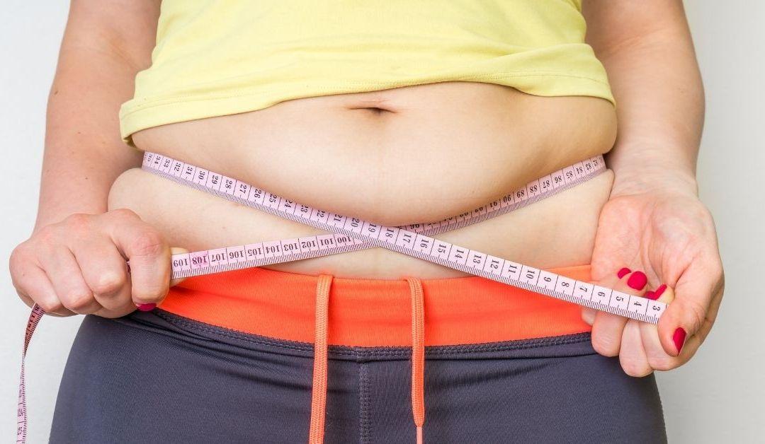 Comer aguacate y otras 8 formas para eliminar la grasa abdominal SIN ir al gimnasio o hacer dieta