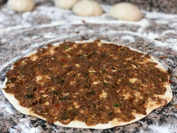 lahmacun din bucataria turceasca