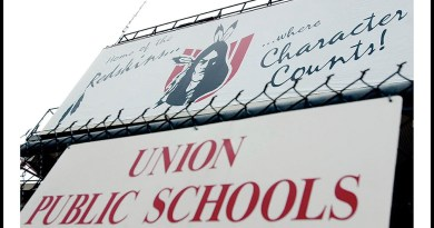 Escuelas Públicas Union podrian cambiar su mascota / Union Public Schools to reevaluate the Redskins mascot