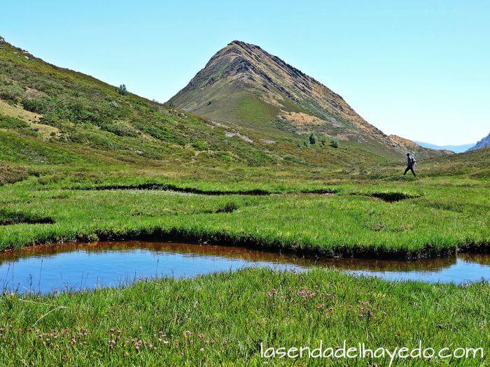 Chaguninas del Glacheiru y La Reigada, un paisaje de alta montaña cantábrica
