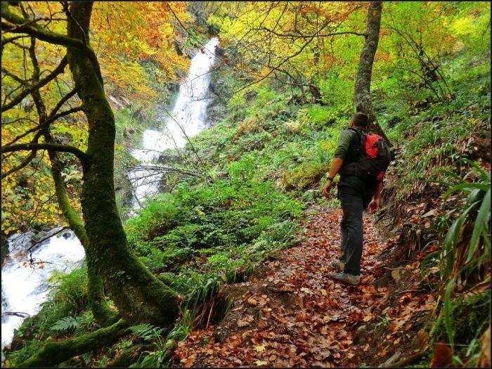 cascada del xiblu en otoño