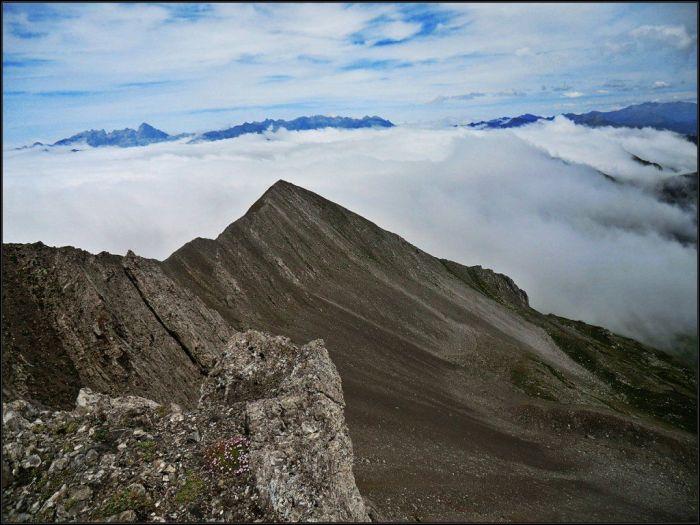 Cresta de Peña Ten, con Torre Santa al fondo