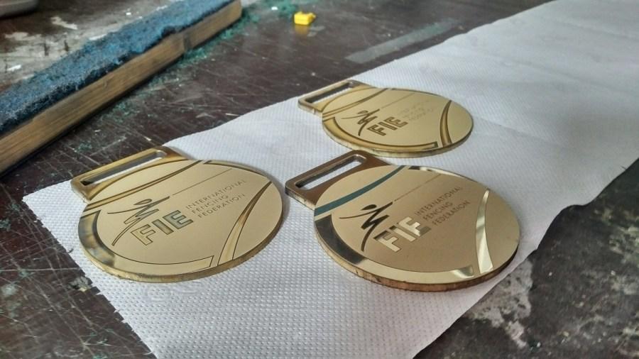 medale grawerowane w msoiązu pozałacane, srebrzone, miedzieowane (4)