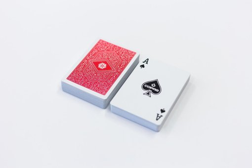 104101324a_playingcards_copag310_cards-red