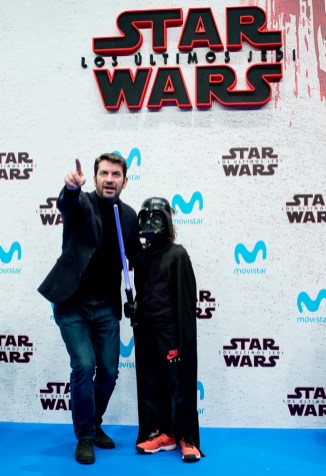 MADRID, SPAIN - DECEMBER 12: Arturo Valls during 'Star Wars: Los Ultimos Jedi' Madrid Premiere on December 12, 2017 in Madrid, Spain. (Photo by Samuel de Roman/Getty Images For Disney)