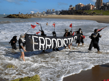Operación B.A.N.G, Cumbre de los Pueblos 2005, Mar del Plata, Argentina.