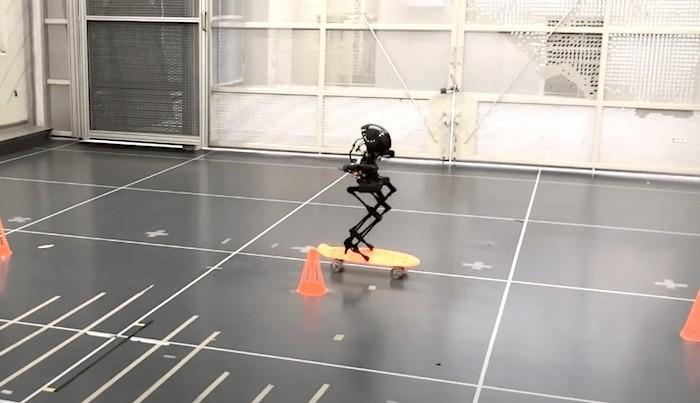 Robot Leonardo skateboarding