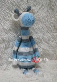 Jirafa azul y gris (1)