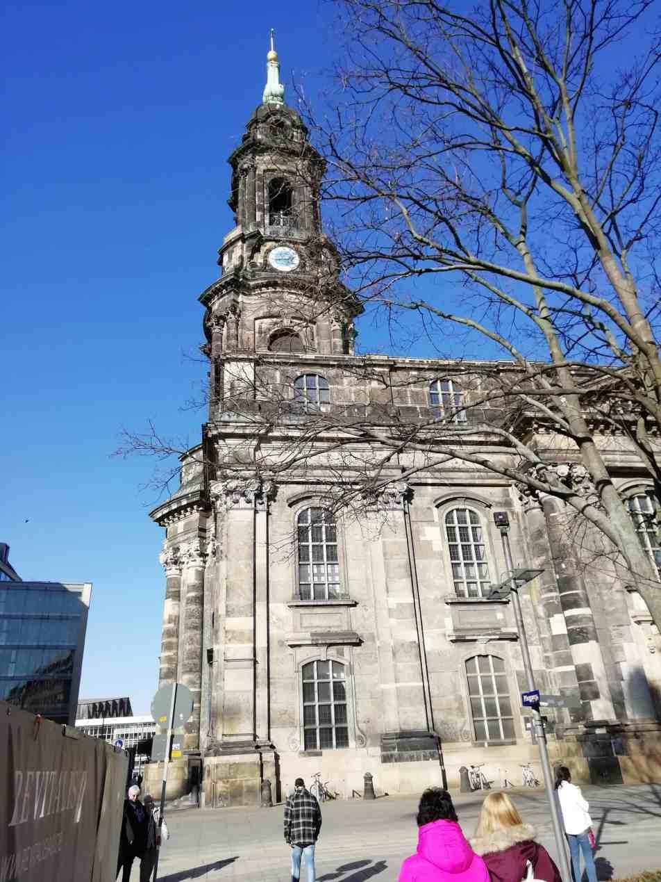 Außenansicht der Die Dresdner Kreuzkirche