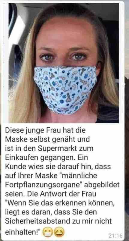 Maske mit Geschlechtsorgan