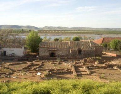 Ermita-Santuario De Nuestra Señora De Oreto Y Zuqueca - Yacimiento