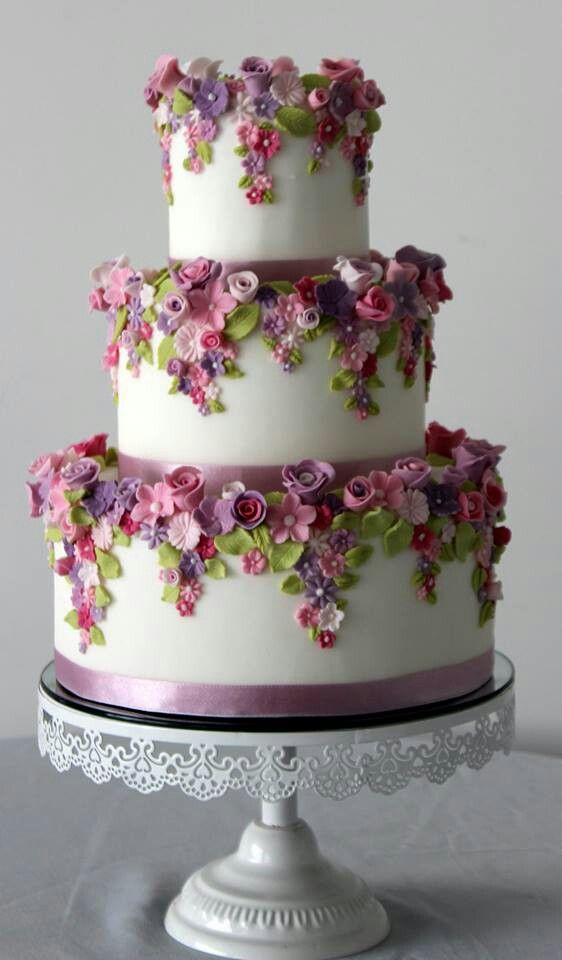 gateau-mariage-pate-sucre-floral - la sœur de la mariée