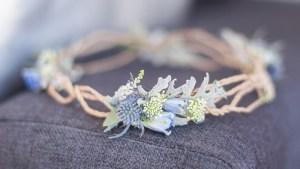 couronne-fleurs-inspiration-mariage-air-marin-plage-mer-sable-lasoeurdelamariee-blog-mariage