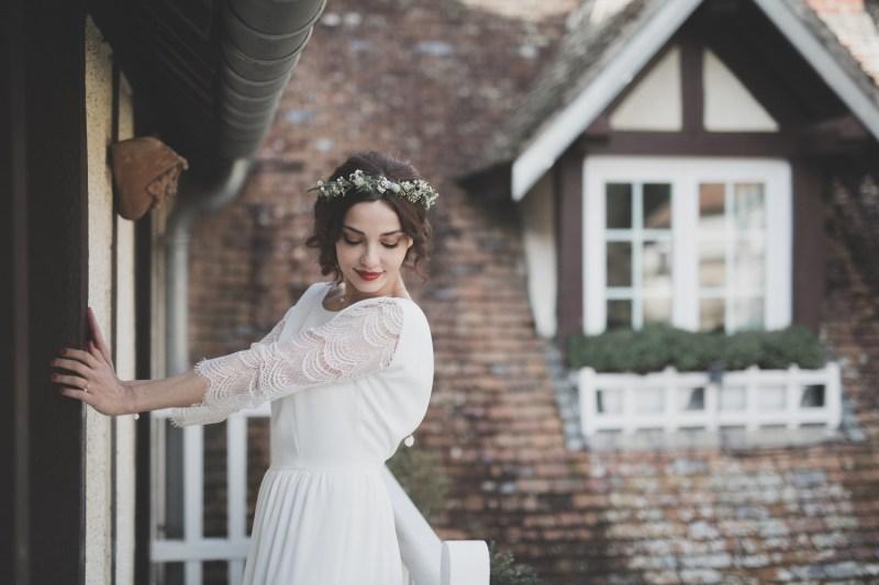 Robe de mariée manches longues et dos nu