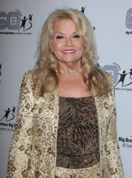 "SUZANNE DE PASSE co-presidente de Passe Jones Entertainment fue honrada por BIG BROTHERS BIG SISTERS DE GREATER LOS ANGELES, con el premio ""Sherry Lansing""."