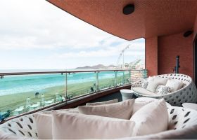 Spectacular beachfront property at Playa Chica in Las Palmas