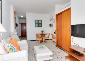 Beachfront apartment for sale in the Lindamar building in Las Palmas de Gran Canaria