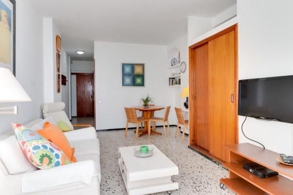 Beachfront apartment for sale in the Lindamar building in Las Palmas de Gran Canaria