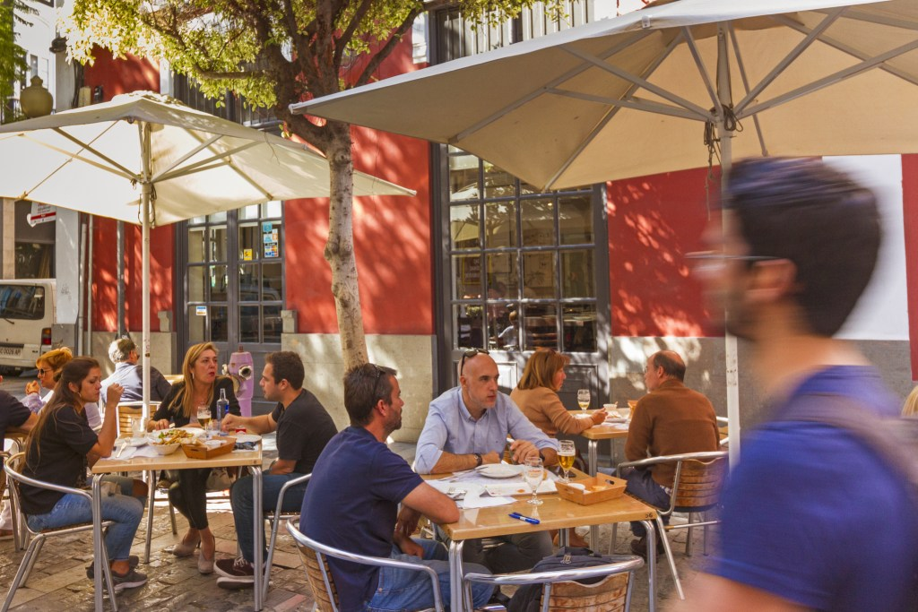 New food hall for Domingo J Navarro street in Triana, Las Palmas de Gran Canaria