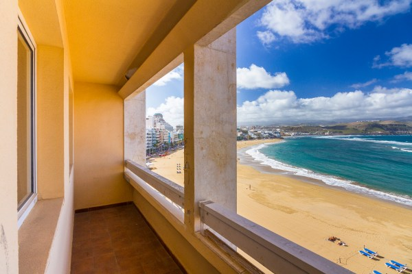 Beachfront apartment for sale in Las Palmas de Gran Canaria