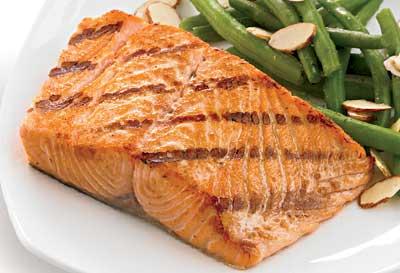 20 Protein-Packed Foods that Slim//Salmon c Mitch Mandel