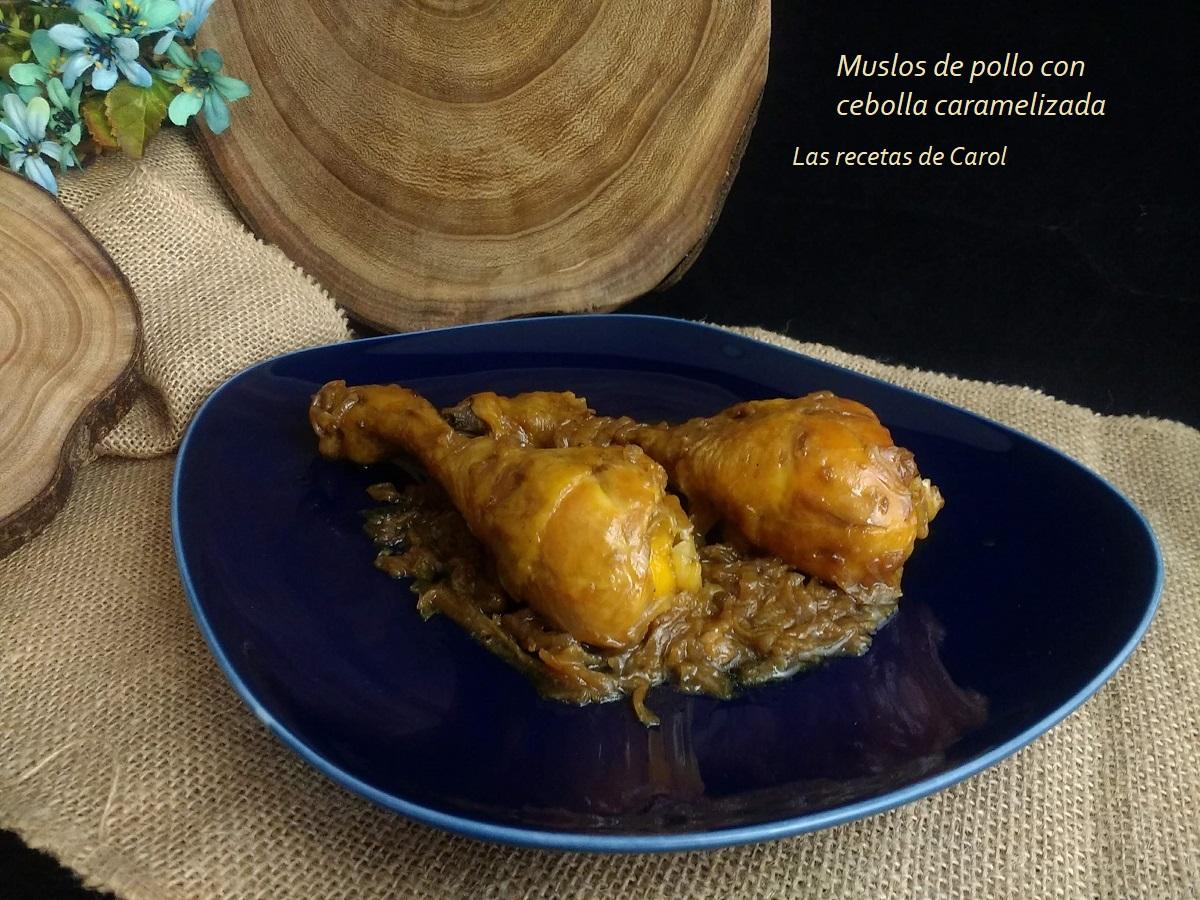Muslos de pollo con cebolla caramelizada