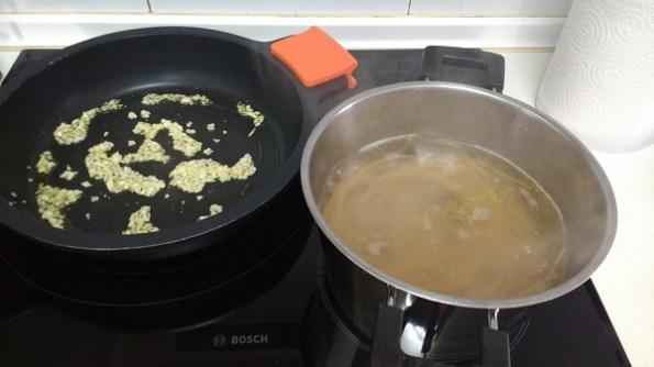 Espaguetis con langostinos y salsa de tomate casera (13)