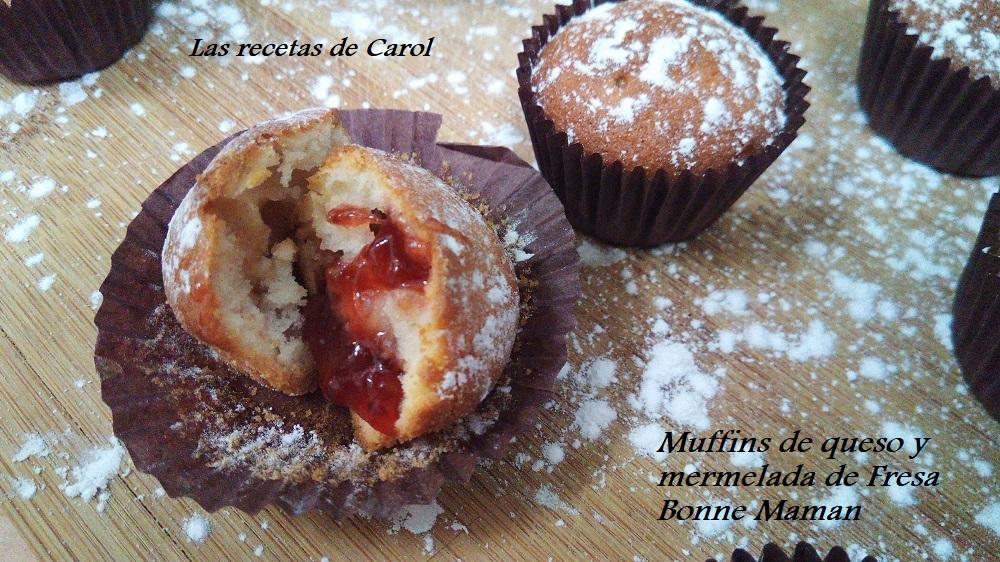 Muffins de queso y mermelada de fresa